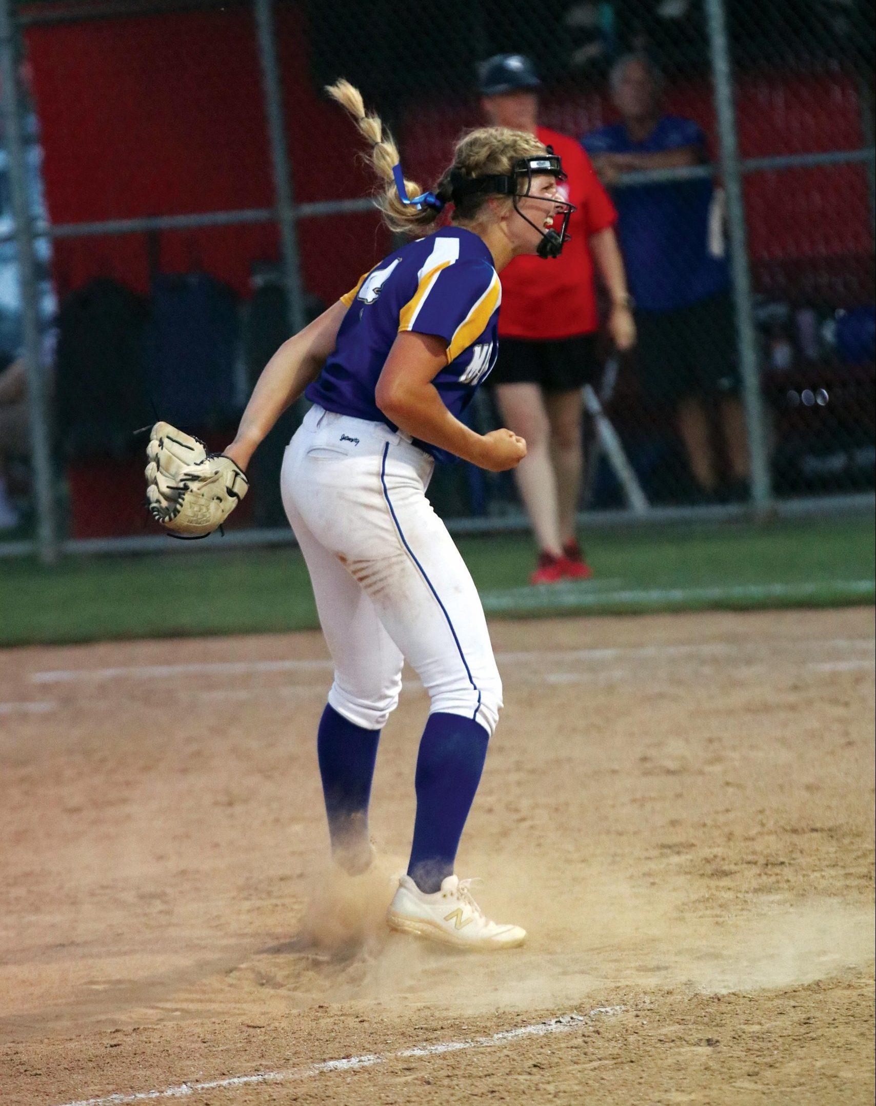 jj-softball-exeter-softball-valley-title_blackmon-on-mound