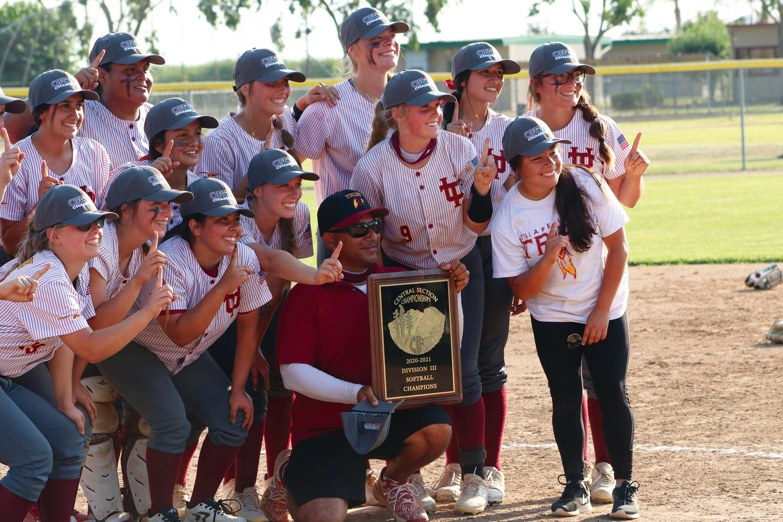 jj-sports-tulare-union-softball-valley-title_plaque